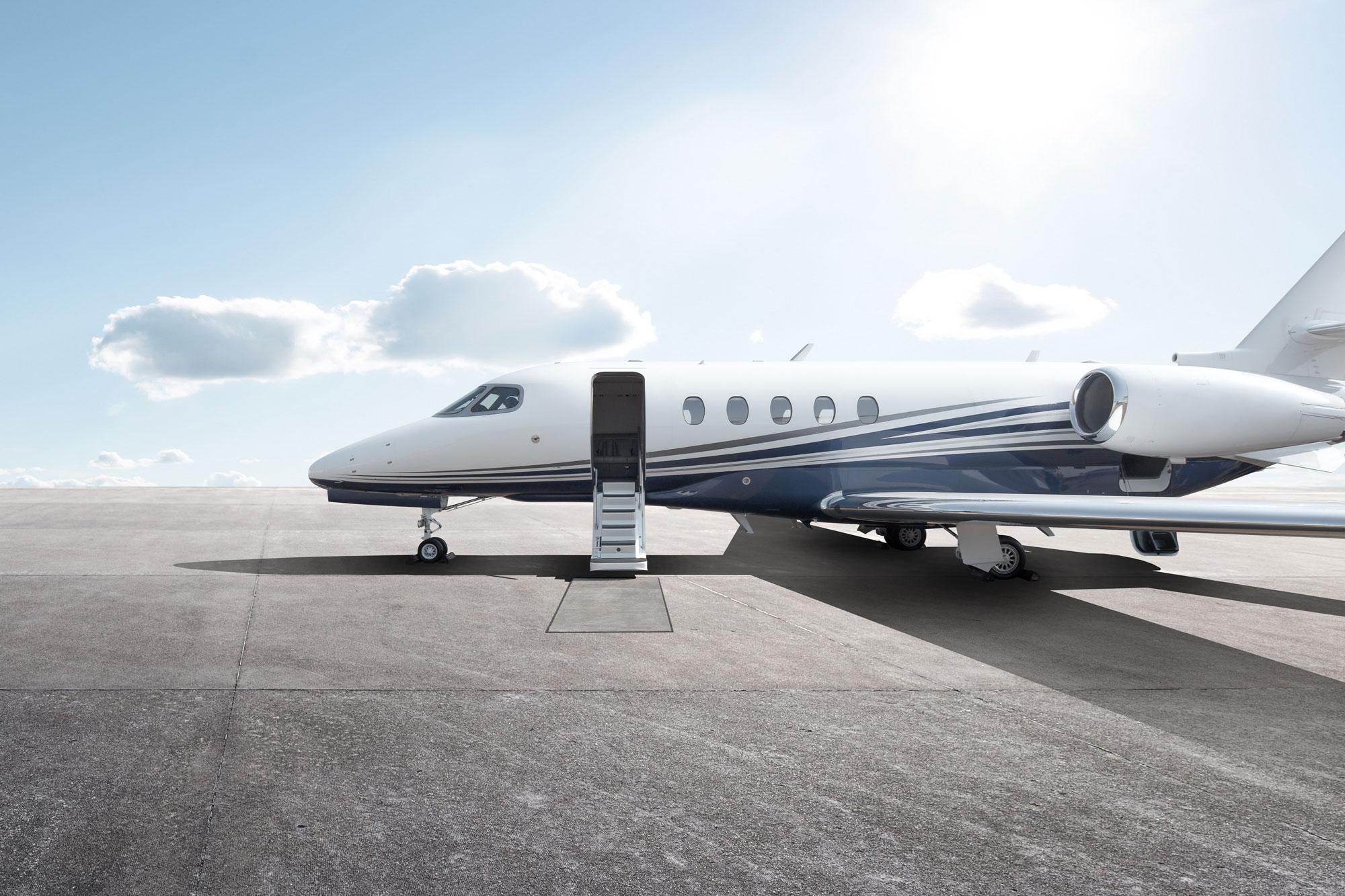 Jet charter flights